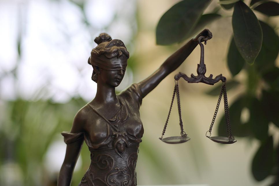 専門性と実績のある弁護士が早期に解決します